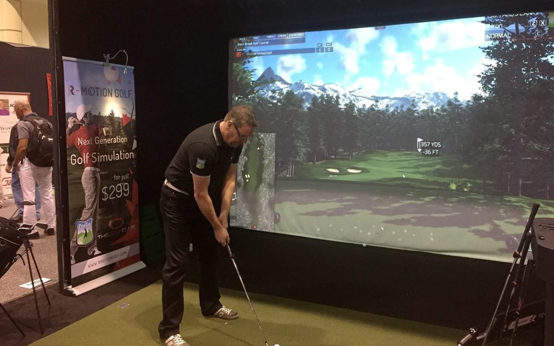 Apprendre le golf rapidement grâce à un simulateur.